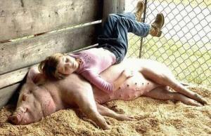 Dziewczynka na śwince